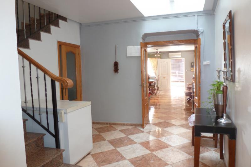 Casa de pueblo en el casco antiguo 158 m2 patio for Barbacoa patio interior